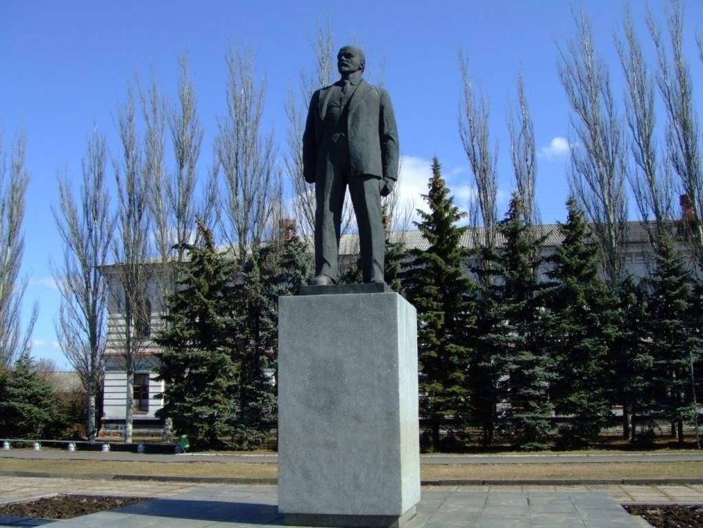 На Харьковщине с молотка уйдет демонтированный памятник Ленину