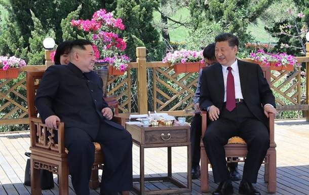 Председатель Китая провел встречу с лидером Северной Кореи (фото)