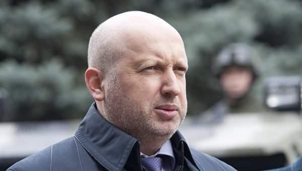 Турчинов обратился в СБУ относительно трансляции военного парада в