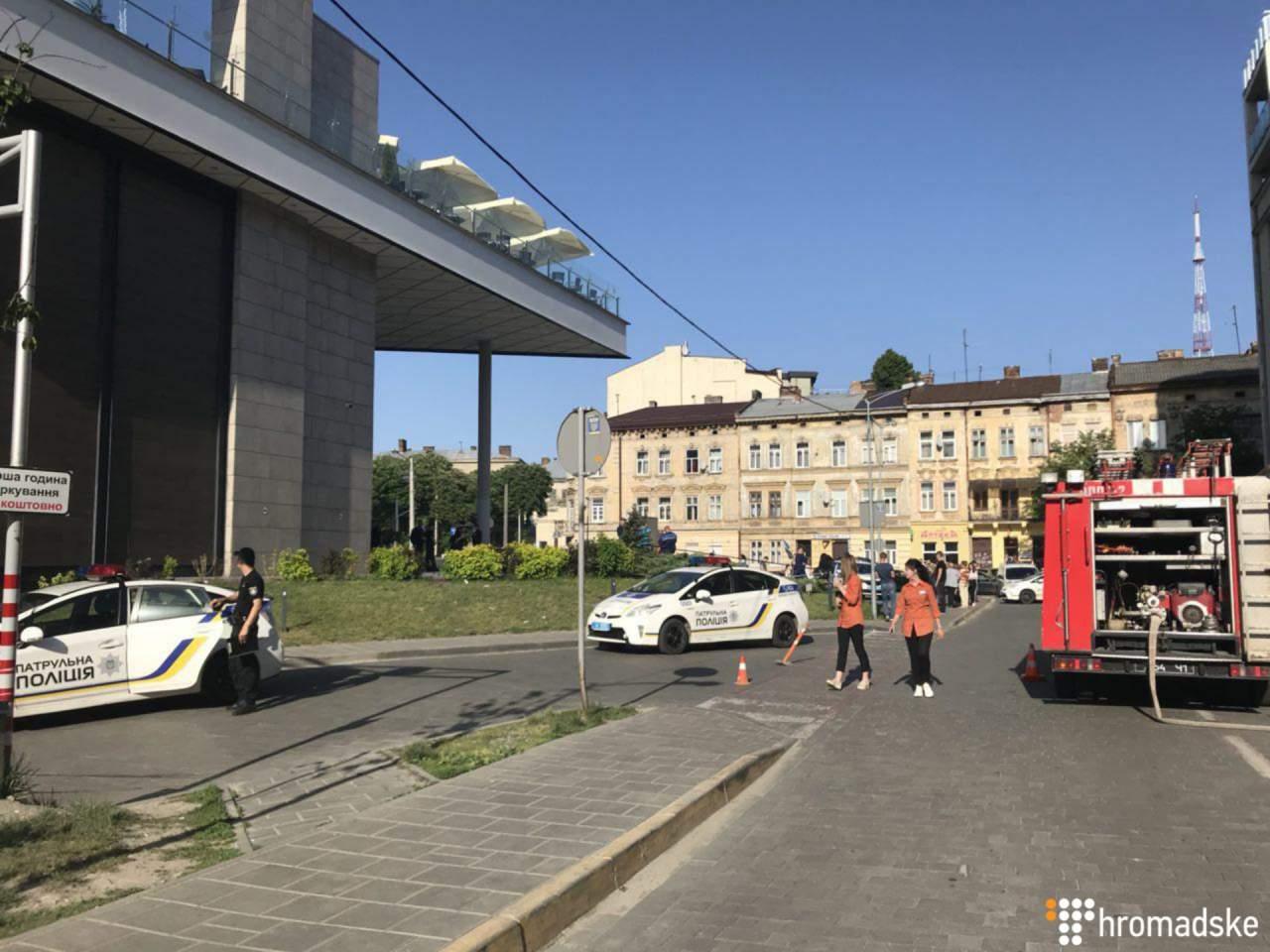 Во Львове неизвестный сообщил о заминировании ТРЦ