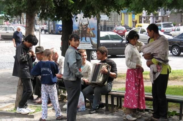 Во Львовской области неизвестные сожгли цыганский табор