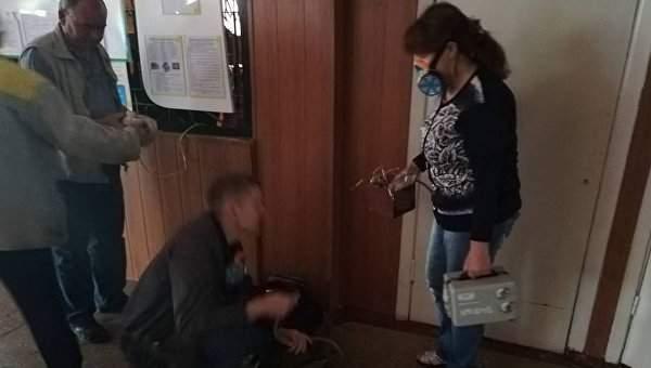 В Днепропетровской области из школы  эвакуировали 700 человек из-за распыления неизвестного вещества