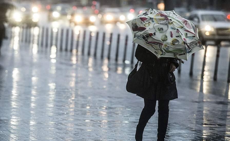 Грозы и шквалы: в Украине объявили штормовое предупреждение