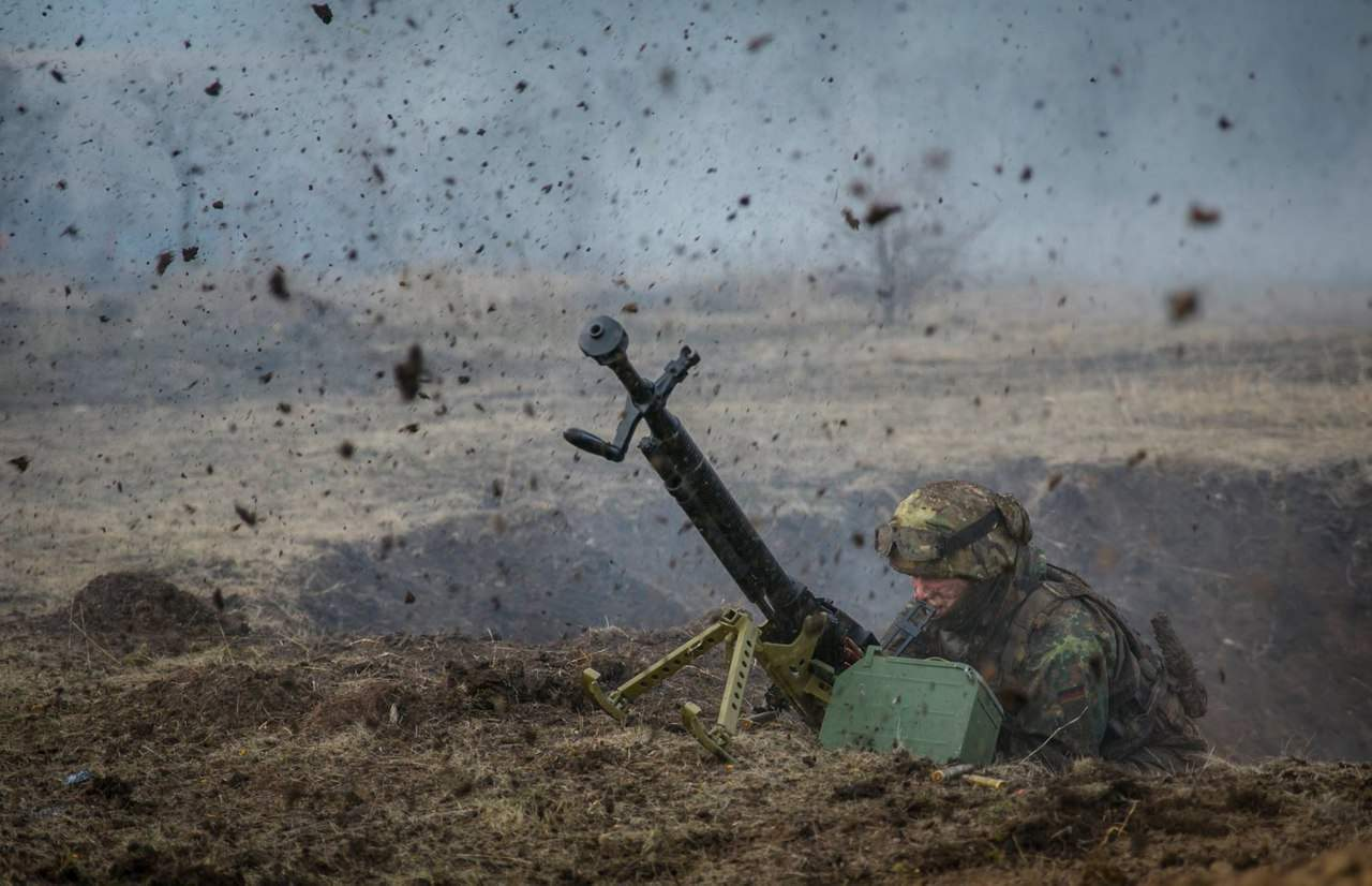 Интенсивный огонь на Донбассе ввелся по жилым домам поселка Зайцево