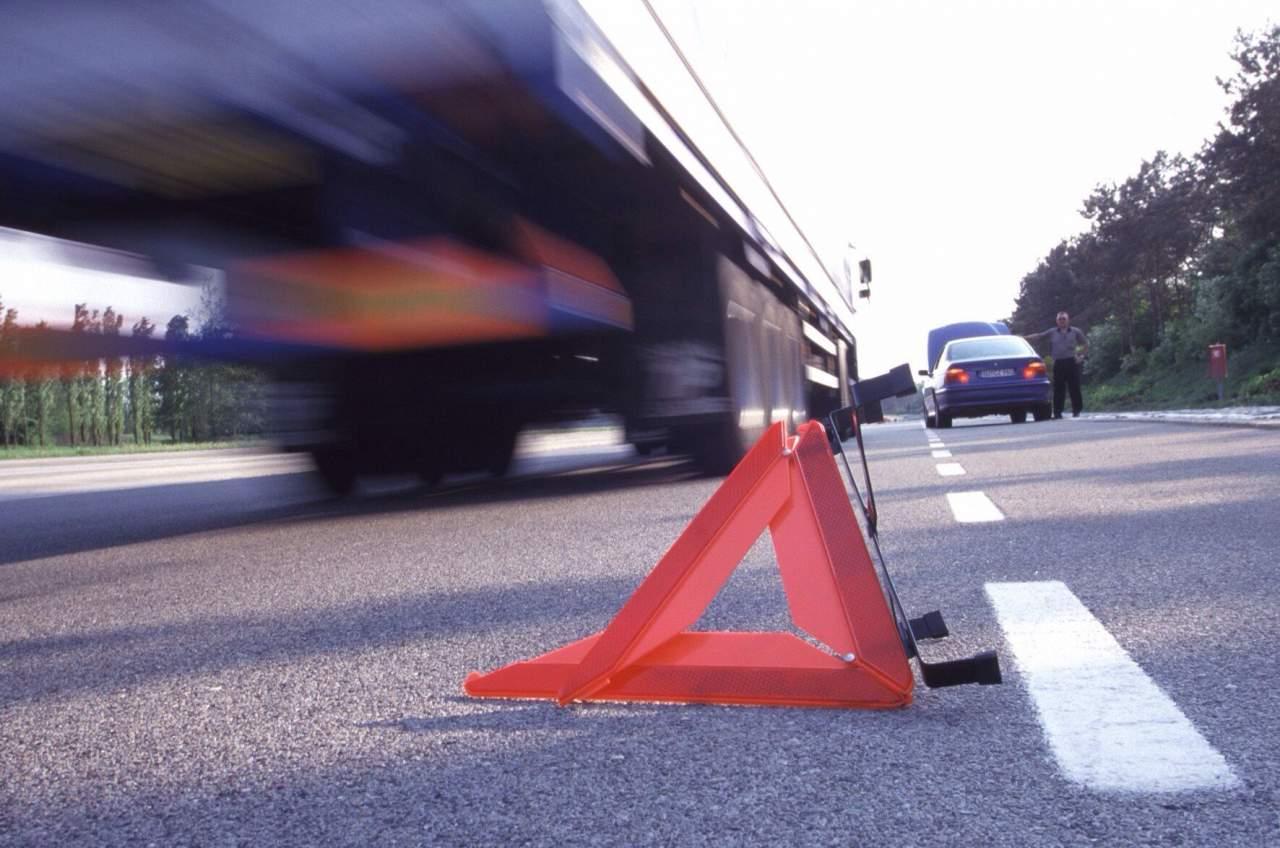 На трассе «Луцк-Маневичи» легковой автомобиль столкнулся с грузовиком