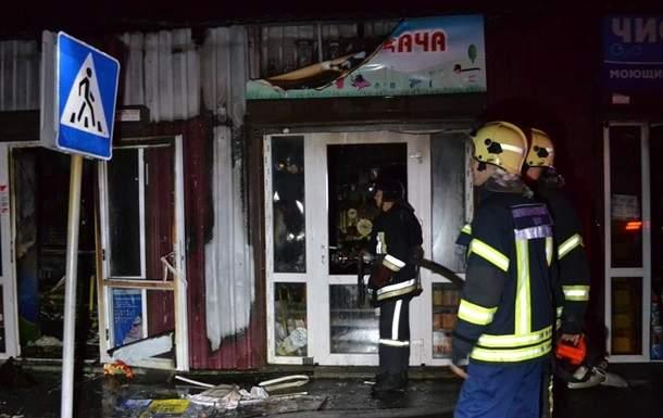 В Одессе горел торговый павильон с алкоголем