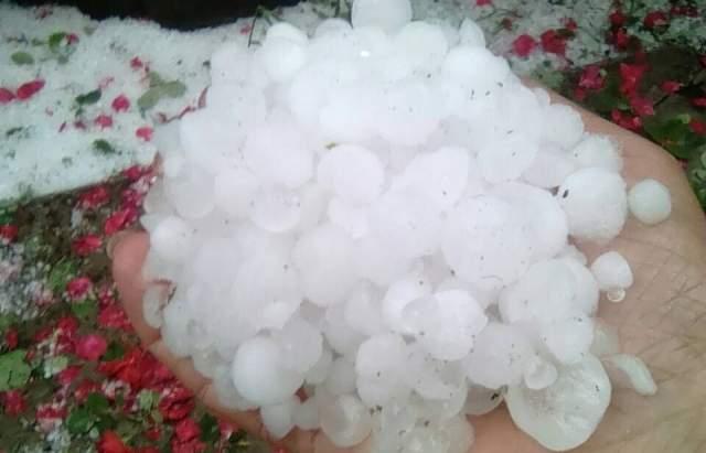 В Закарпатской области  прошли обильные дожди, местами с градом,  затопило Ужгород
