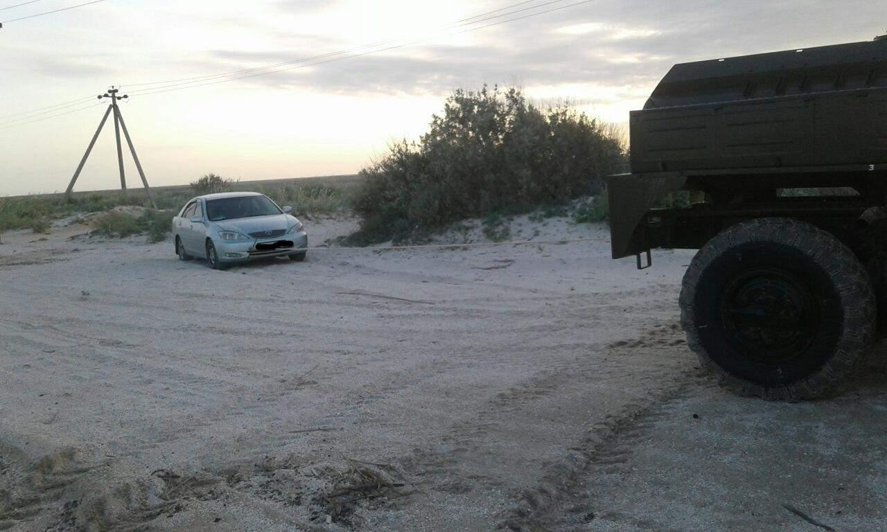В Запорожской области несколько местных жителей угодили в ловушки из-за непогоды (фото)