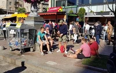 После болельщиков ЛЧ в Киеве вывезли тонны мусора