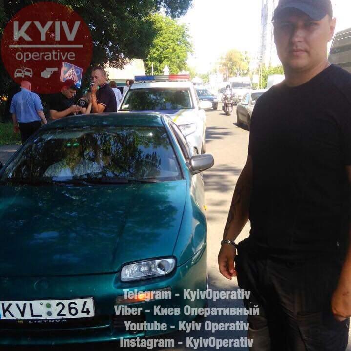 В Киеве в наркотическом состоянии задержали угонщика автомобиля (фото)