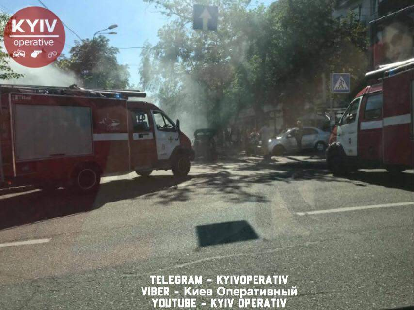 В Киеве произошло возгорание МАФов (фото)