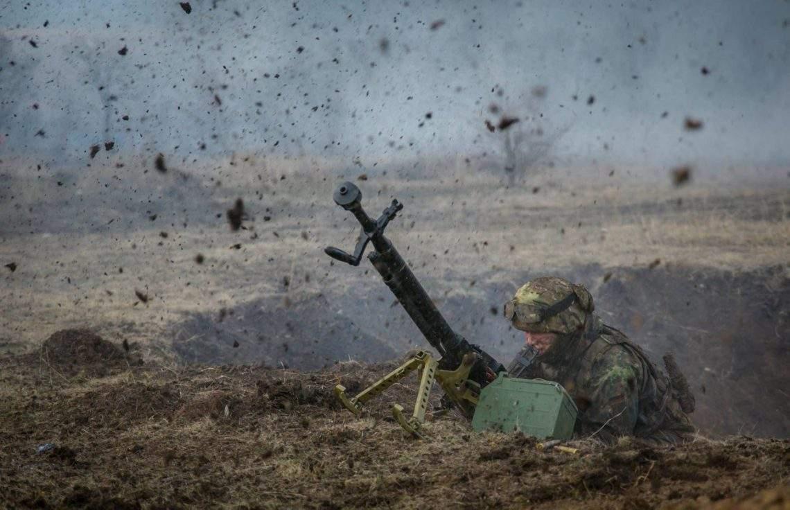 На Донбассе трое украинских солдат получили ранение