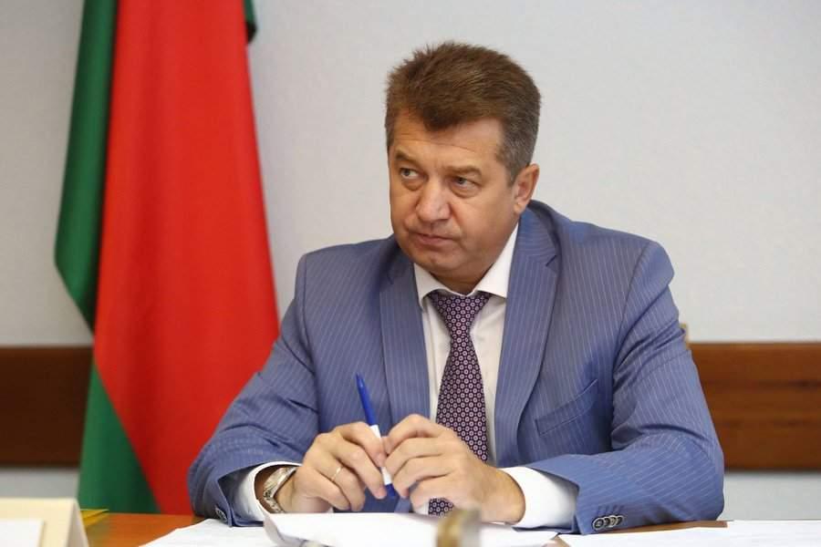 Помощника президента Белоруссии обвинили в получении взятки