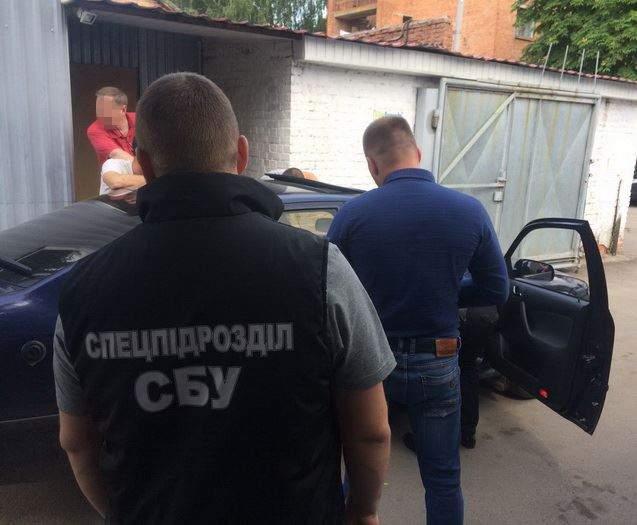 В Хмельницкой области сотрудники СБУ  разоблачили на взятке прокурора