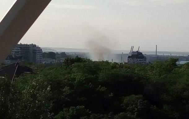 В Одессе загорелось здание мореходного училища