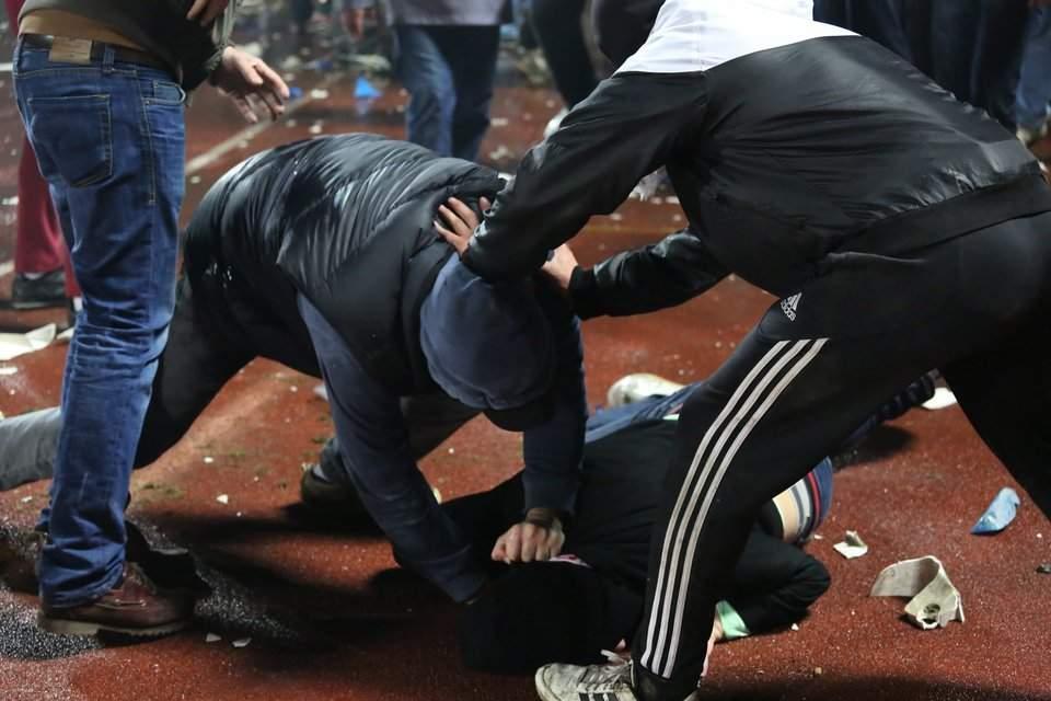 Ночью в Киеве в ходе конфликта мужчине разбили голову бутылкой (видео)