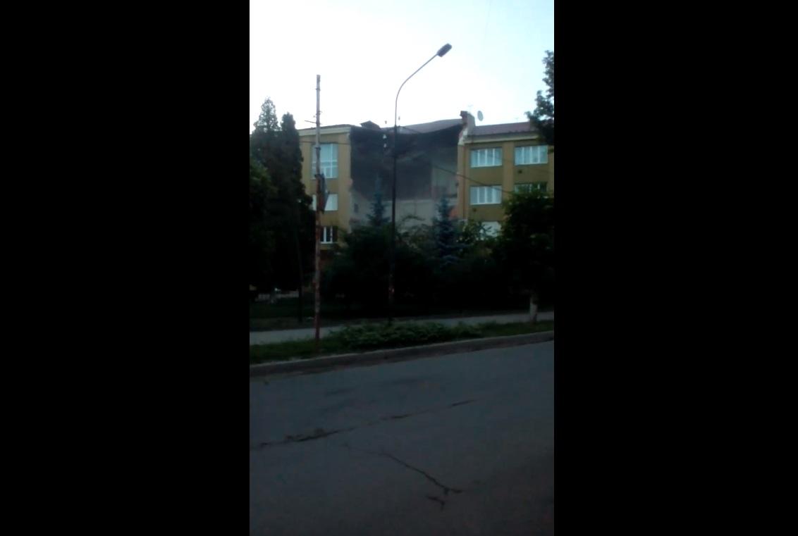 В Коломыйском экономико-правовом колледже обрушилось перекрытие крыши