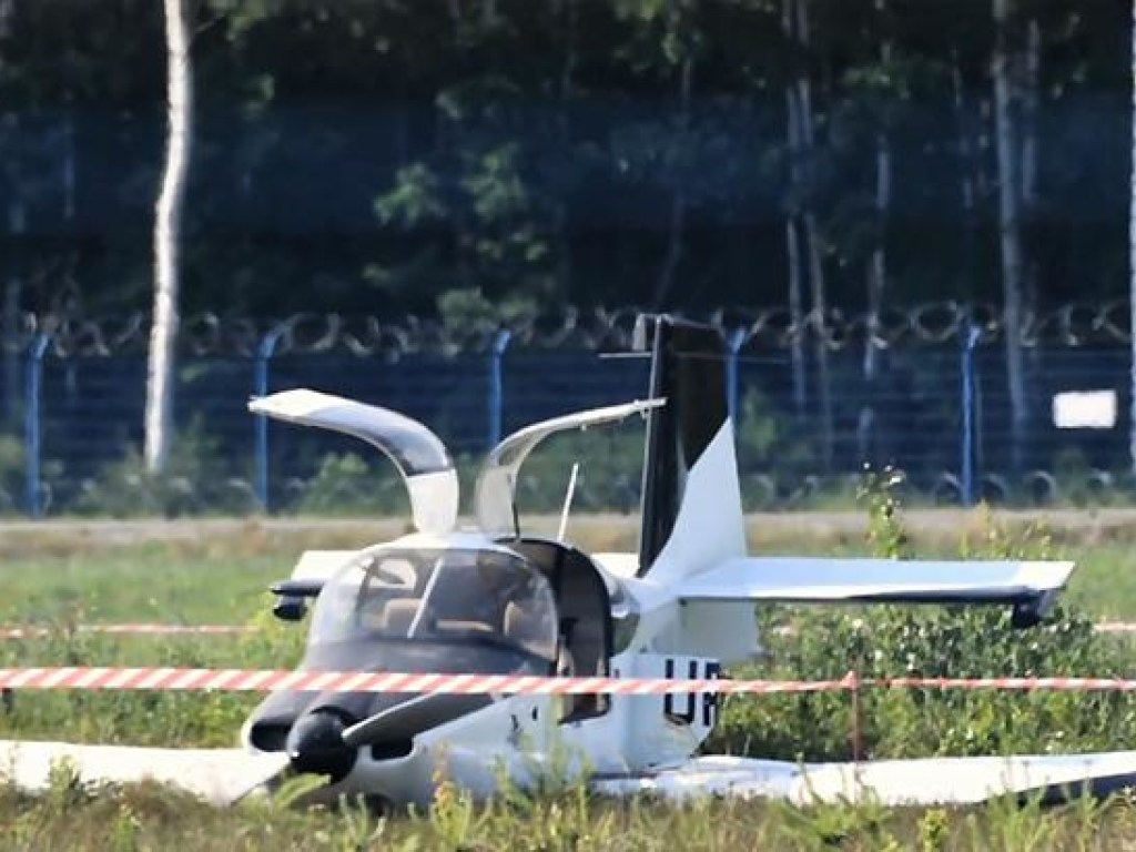 В Польше разбился украинский самолет, трое пострадавших