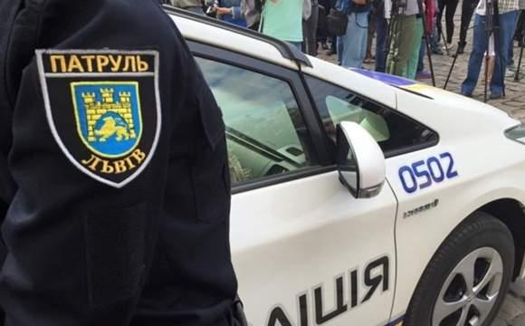 Во Львове автомобиль патрульной полиции совершил наезд на пешехода