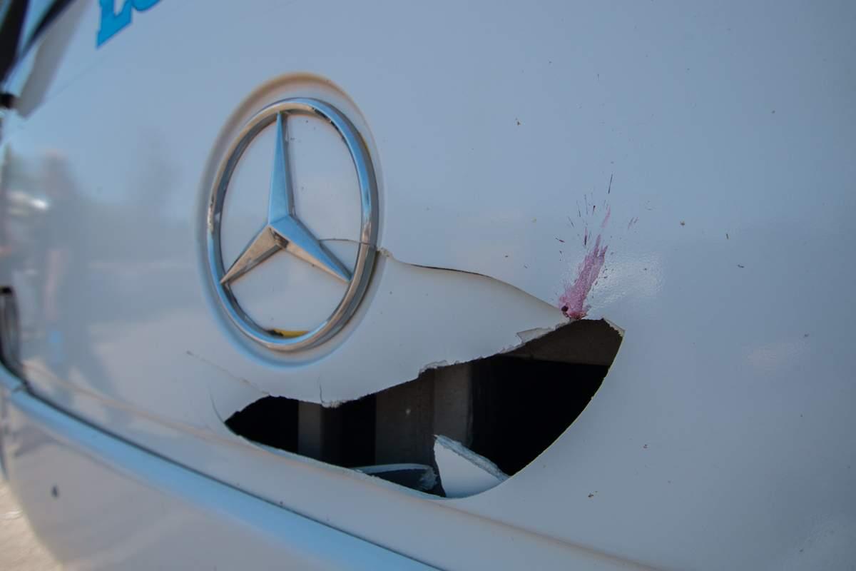 В Днепре женщина головой разбила лобовое стекло пассажирского автобуса