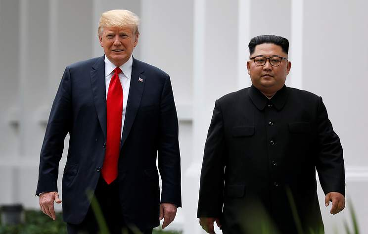 СМИ: Трамп и Ким Чен Ын подписали совместный документ по итогам саммита