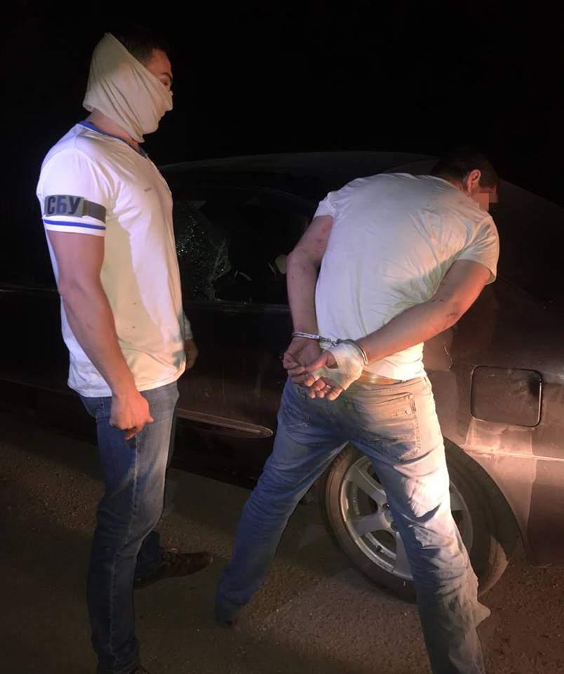 Сотрудники СБУ задержали межрегиональную организованную группу наркоторговцев (фото)