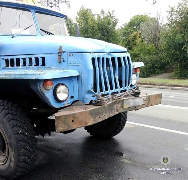 В Харькове грузовик столкнулся с маршруткой, пострадали четыре человека