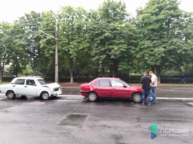 В Луцке произошло тройное ДТП (фото)