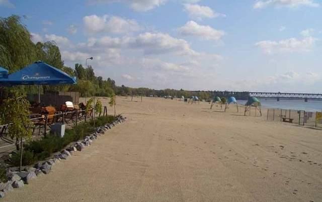 В Киеве из-за сильных ливней ограничили купание на всех пляжах