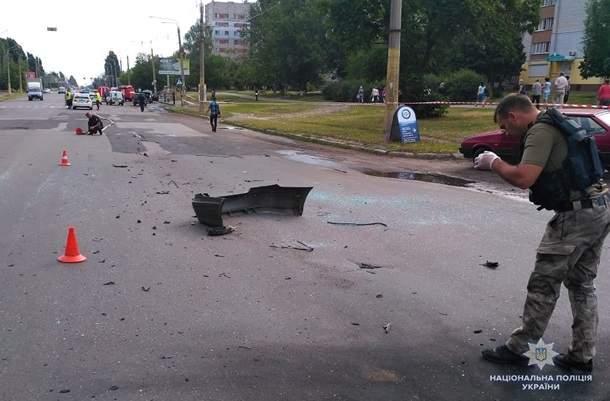 В Черкассах взорвали автомобиль известного украинского бизнесмена (фото)
