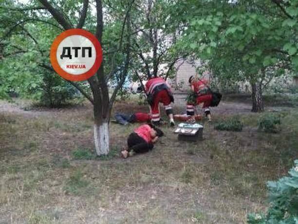 В Киеве двое мужчин отравились настойкой боярышника, один скончался
