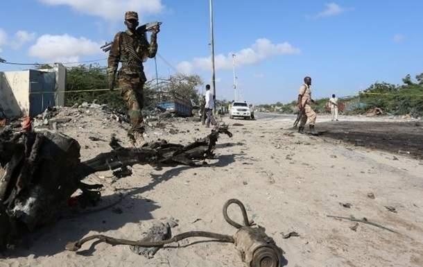 В Кении из-за взрыва самодельного взрывного устройства погибли восемь полицейских