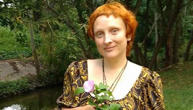 Кличко закрыл рот рукой активистке Аннабелле Мориной
