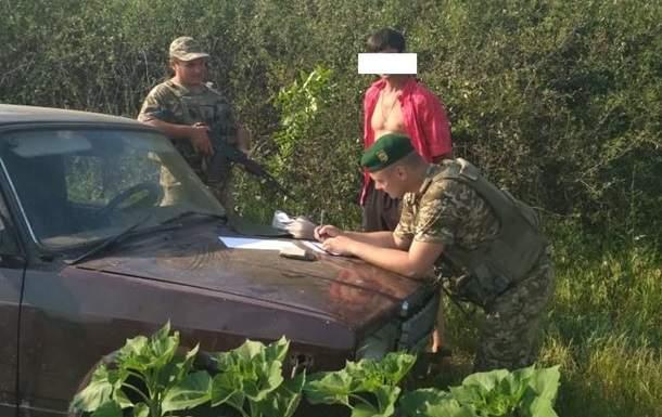 В зоне ООС пограничники обстреляли автомобиль