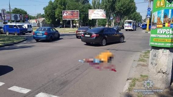 В Николаеве маршрутное такси на смерть сбило пешехода