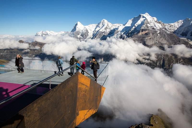 С горы в Швейцарии эвакуировали около 400 человек
