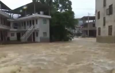 В Китае из-за не погоды терпят бедствие  свыше 40 тысяч человек, два человека погибли