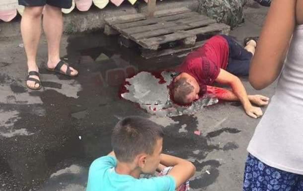 В Одессе на рынке конфликт в очереди закончился кровавой дракой