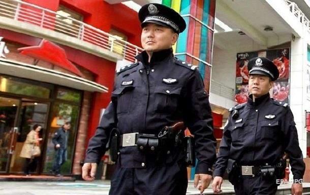 В Китае в школе  мужчина с ножом убил двух детей