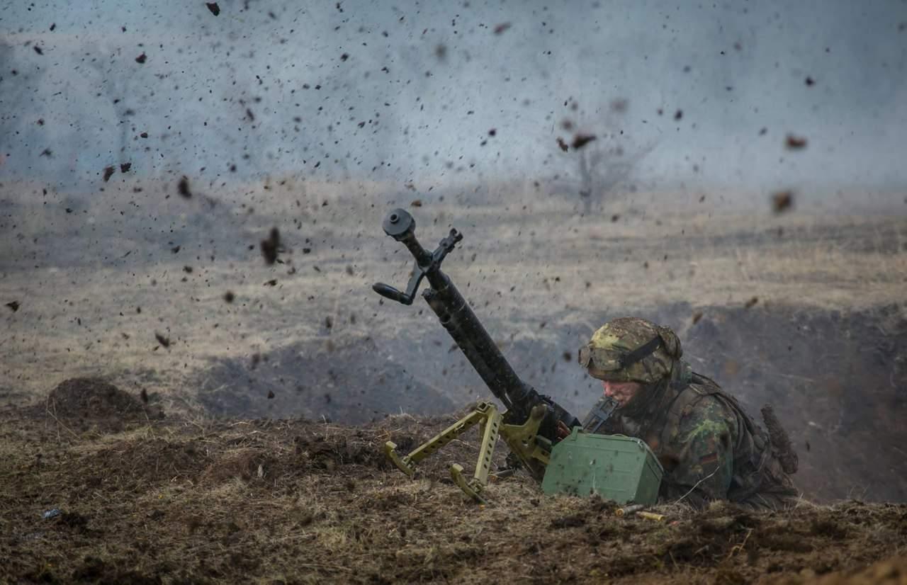 За сутки в зоне ООС зафиксировано 28 обстрелов: 1 украинский воин погиб