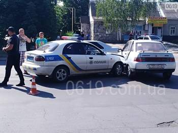 В Запорожской области сотрудники полиции за рулем авто влетели в ВАЗ