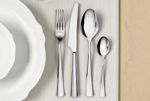 Широкий ассортимент столовых приборов из серебра
