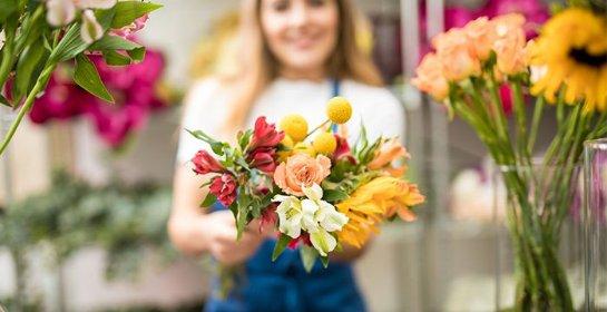 Цветы – отличный вариант подарка к любому празднику