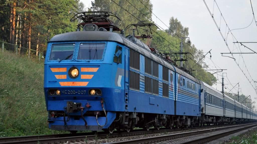 В Одесской области машинист превысил допустимую скорость, в результате поезд сошел с путей