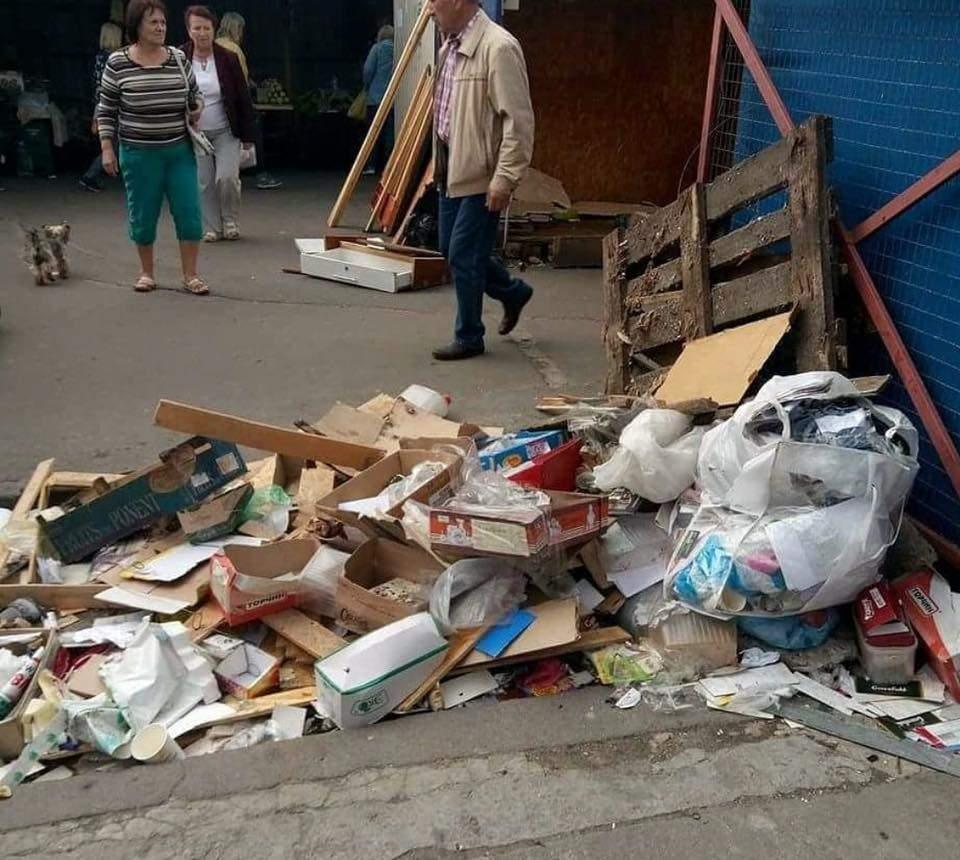 В Киеве власти сносят знаменитый рынок