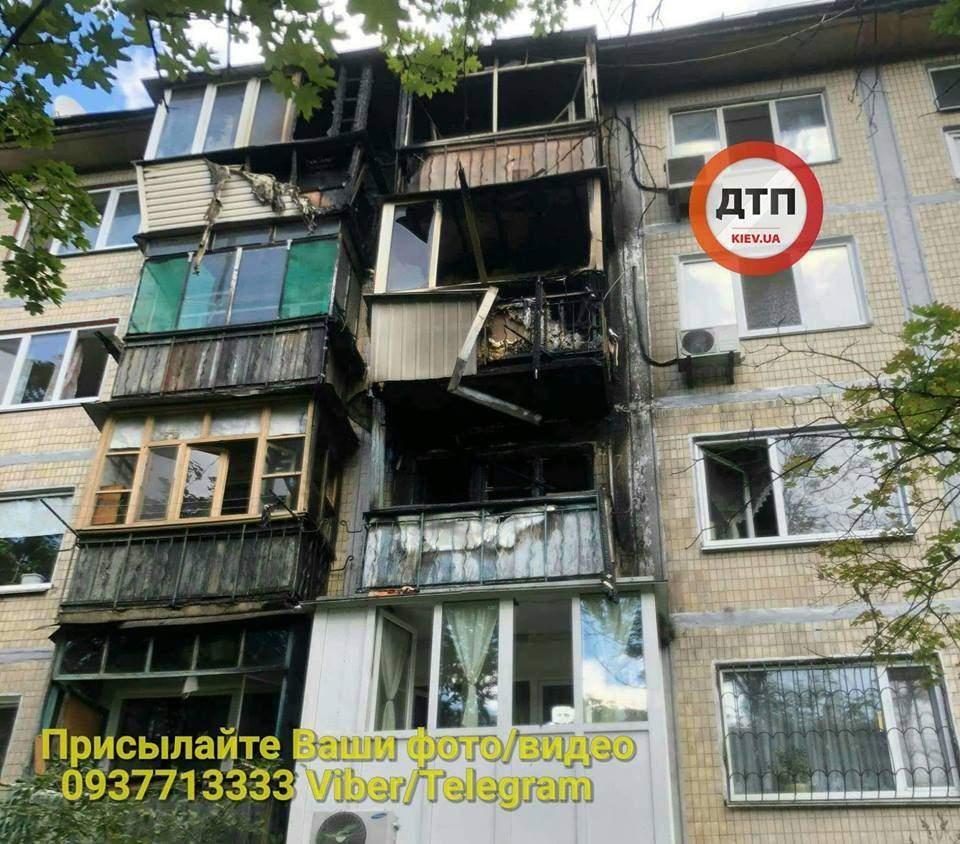В столичной многоэтажке сгорели 3 этажа. Есть пострадавшие