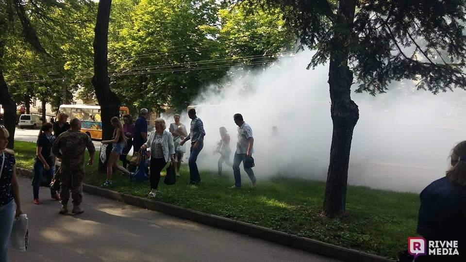 В Ровно вспыхнула маршрутка с людьми