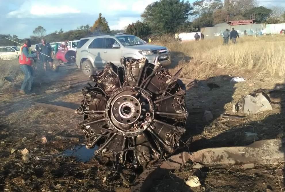 В ЮАР потерпел крушение пассажирский самолет, пострадали 19 человек