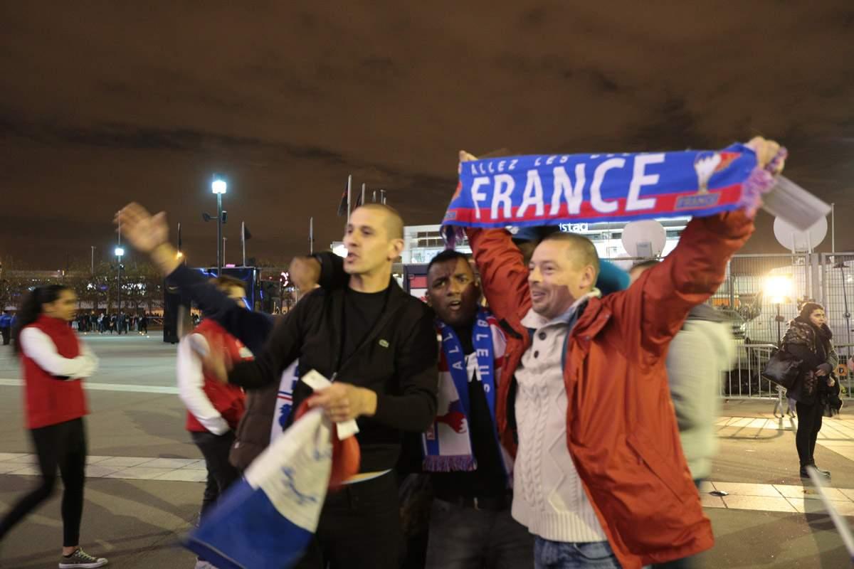 В Париже победа сборной Франции на ЧМ-2018 завершилась столкновениями с полицией