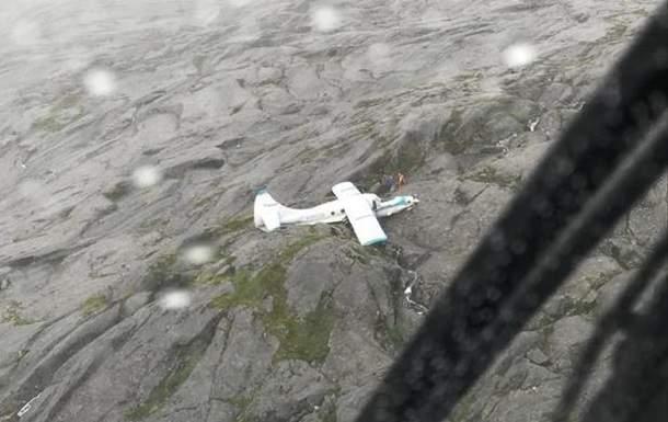 В США в горах потерпел крушение пассажирский самолет, есть пострадавшие